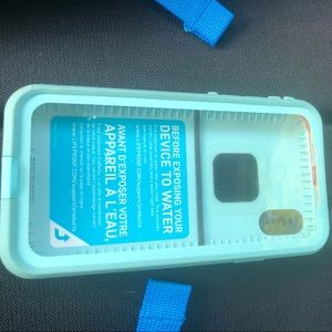 iPhone  x LifeProof Fre case
